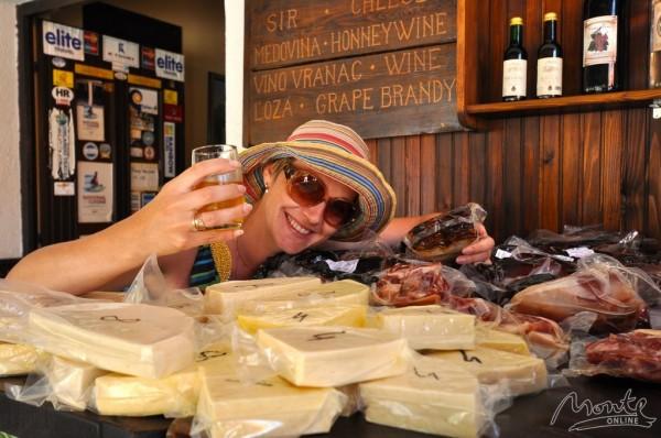 Негушский сыр, пршут и вино - все, что нужно! (Черногория)