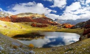 Букумирское озкро горной массив Комови в 40 км от Подгорицы